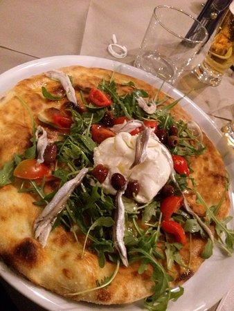 Monte San Vito, Italia: pizza officina del gusto con burrata e alici
