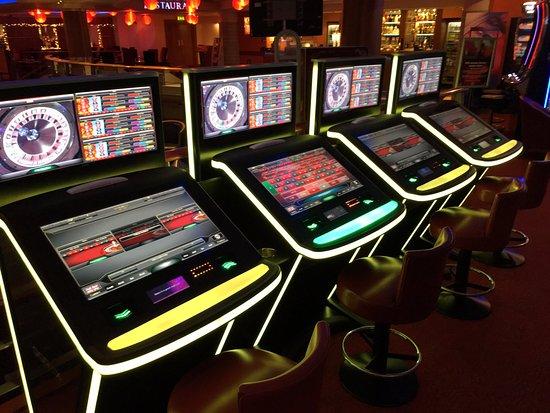 Grosvenor casino slot games dolphin slots free online