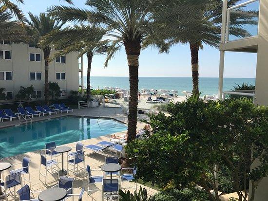Edgewater Beach Hotel ภาพ
