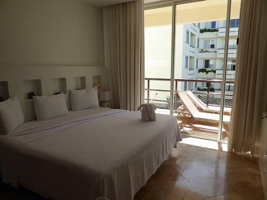 Ixchel Beach Hotel: Master bedroom