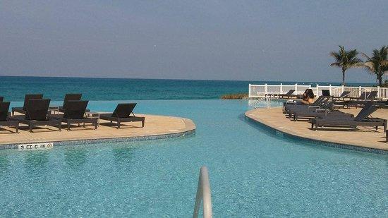 RW Bimini's Infinity Pool