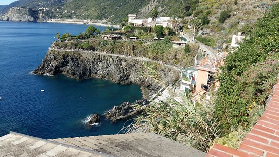 Cinque Terre Walk and Drink: 20161010_145001_large.jpg