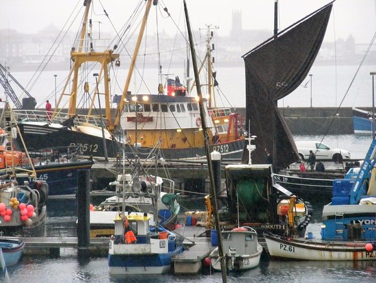Newlyn, UK: Sailing ships/boats in the harbour