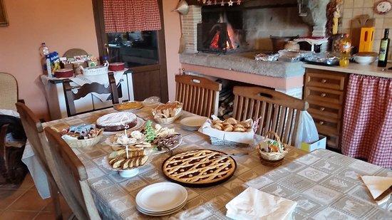 San Martino al Cimino, إيطاليا: La prima colazione in tavernetta