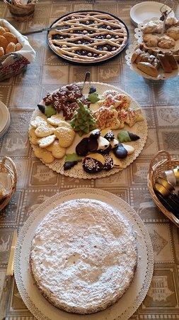 San Martino al Cimino, إيطاليا: I dolci fatti in casa