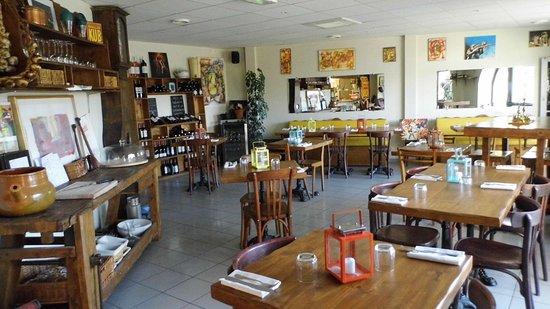 Villeseque-des-Corbieres, France: La salle