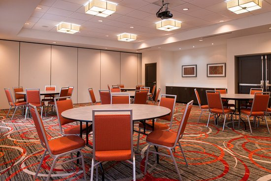Holiday Inn Express U0026 Suites   Monroe: Table Rounds Halft Meeting Room