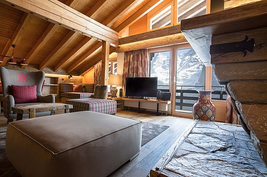 Hotel Eiger: Unique suite living room 618