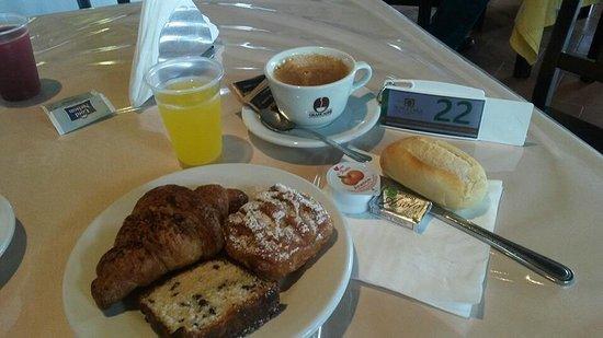 Furci Siculo, إيطاليا: Ottima colazione