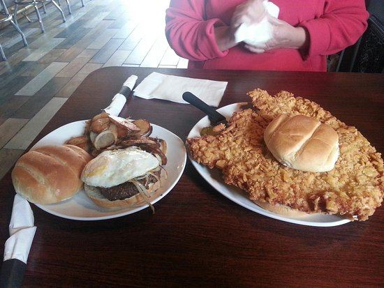 Chillicothe, IL: Whole Tenderloin, burger with a fried egg, fried potatoes.