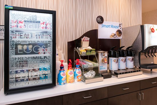 Milk Coffee Juice Breakfast Bar Picture Of Holiday Inn Express