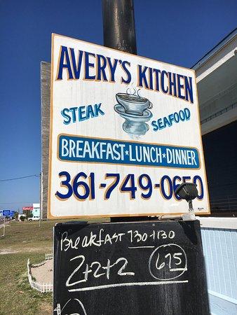 Avery's Kitchen: photo1.jpg