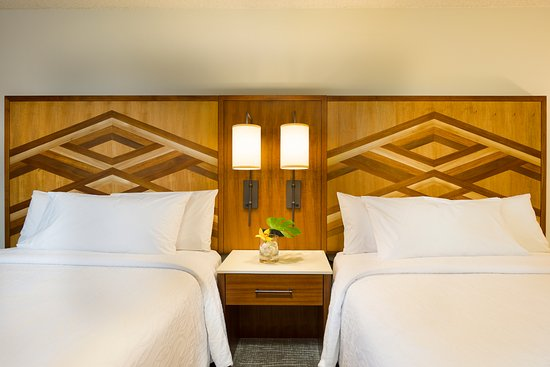Hilton Garden Inn Kauai Wailua Bay: Hilton Garden Inn Kauai Wailua Two  Queen Beds Detail