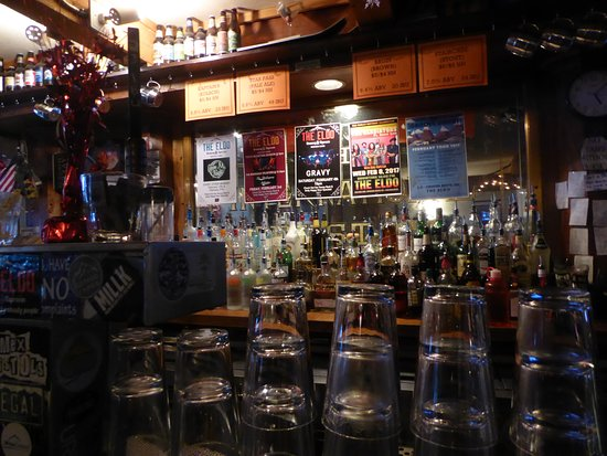 The Eldo Brewery and Happy Trail's Cafe: Inside bar