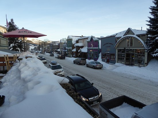 The Eldo Brewery and Happy Trail's Cafe: A view of Elk Street from Balcony