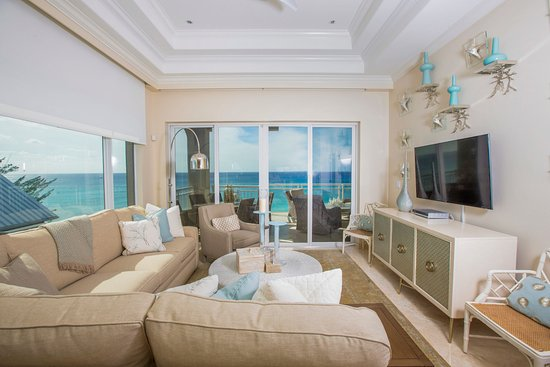 Beachcomber Grand Cayman: Beachcomber offers All OceanFront condominiums