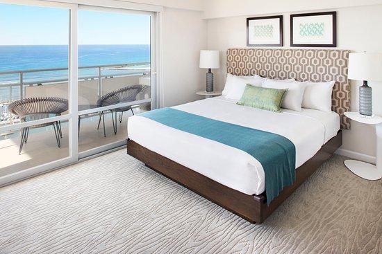 Ilikai Hotel & Luxury Suites 2-Bedroom Oceanfront Bedroom