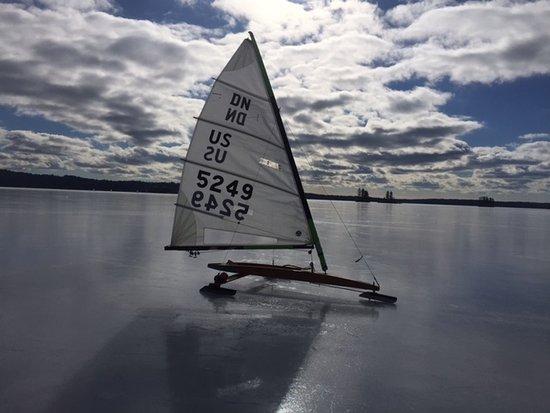 Washington, เมน: perfect ice on Damariscotta Lake