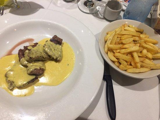 Lima Region, Peru: Cordero en salsa dijon