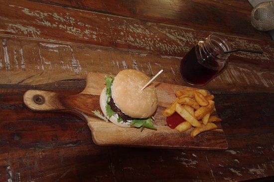 Kaka Point, New Zealand: The Burger