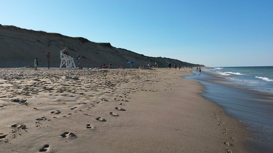 Viking Shores Motor Inn: Nasuet Light Beach / Cape Cod National Seashore