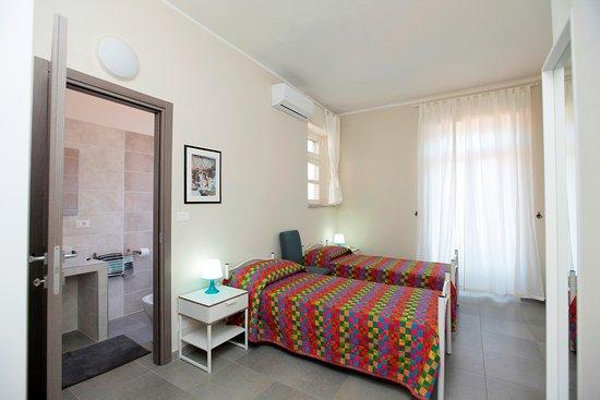 Camera doppia con bagno privato con doccia - Foto di Albergo San ...