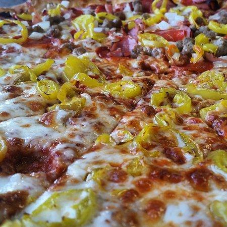 Τσάρλεστον, Δυτική Βιρτζίνια: Large Husson's pizza