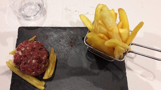 Restaurant Les Fines Gueules Dans Cremieu Avec Cuisine Fran Aise