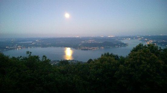Massino Visconti, Italia: View of Lago Maggiore