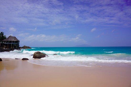صن سيت بيتش هوتل: Beach