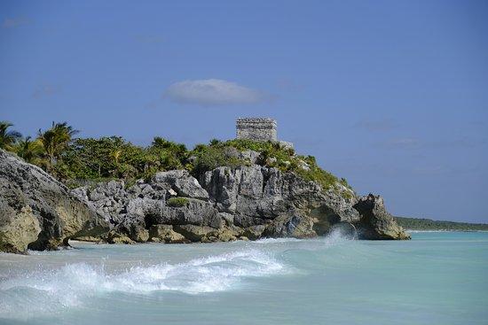 Tulum Archaeological Site: God of Winds Temple guarding sea entrance at Ruinas Mayas de Tulum