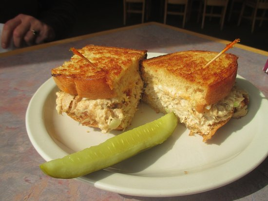 New Brighton, MN: Tuna Sandwich with Pickle