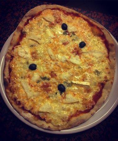 Lavelanet, Γαλλία: Carte à pizza. Carte du soir et samedi midi. Saumon en papillote