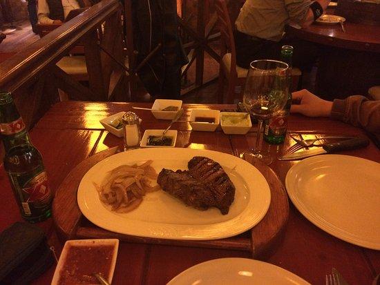 Los Toneles: La carne buenísima y muy bien servida (+/- 400 g)