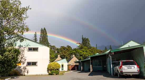 Hanmer Resort Motel : Double rainbow as we prepared to leave.