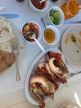 Puerto Nuevo, México: Absolutely loved it! We had the special with all you can eat fresh tortillas, pico, chips, beans