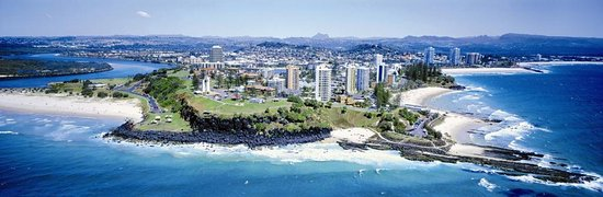 The twin towns of Tweed Heads-Coolangatta from air, state border of NSW and Queenstown