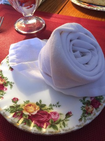 Creekside Inn at Sedona: Rose napkin