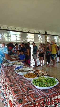 Rivers Fiji - Day Adventures: yummy lunch provided by the villager