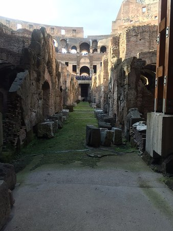 Best Limos in Rome Day Tours : The catacombs at the Colosseum