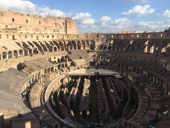 Best Limos in Rome Day Tours : The Colosseum