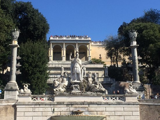 Best Limos in Rome Day Tours : The Peoples Plaza