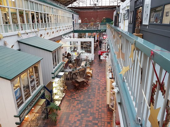 Manchester Craft and Design Centre: Inside the centre