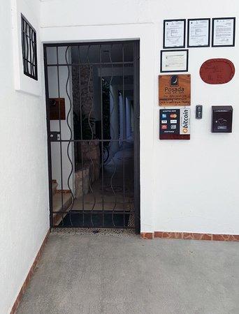 Posada Luna del Sur: main entrance