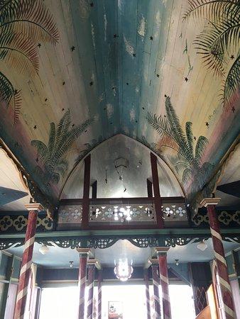 Honaunau, HI: painted ceiling