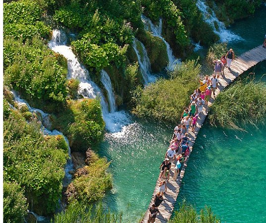 Camping Plitvice: DRAGAN'S DEN PLITVICE HOSTEL: 2018 Reviews (Plitvice Lakes
