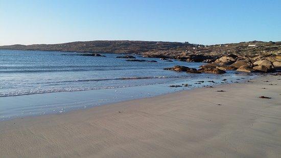 Roundstone, Ireland: Peaceful beach.