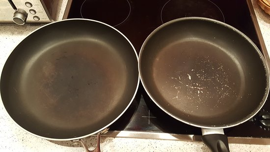 Kilconquhar, UK: do not use these kind of frying pan ;the non stick material that has come away would leak into y