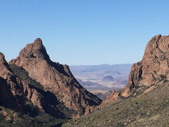 Alpine, TX: Beautiful view from Chisos VI's center short walk