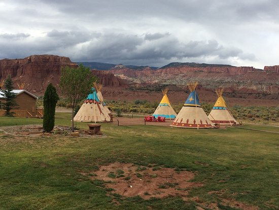 Capitol Reef Resort Picture